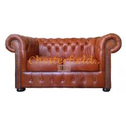 Klassisk Chesterfield 2 sits soffa (C12) whisky i färg helt i äkta skinn