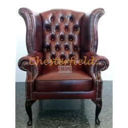 Queen XL Chesterfield öronlappsfåtölj oxblod (A7) i färg helt i äkta skinn