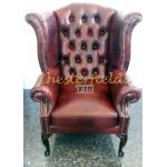 Queen XL Chesterfield öronlappsfåtölj oxblod i färg helt i äkta skinn
