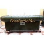 Klassisk Chesterfield 3 sits soffa (A8) grön i färg helt i äkta skinn
