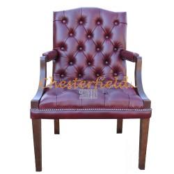 King Chesterfield öronlappsfåtölj oxblod (A7) i färg helt i äkta skinn
